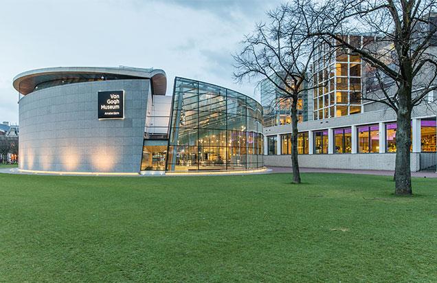 Licht & lucht in nieuwe entree Van Gogh Museum